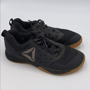 mizuno mens running shoes size 9 youth gold weight diapers